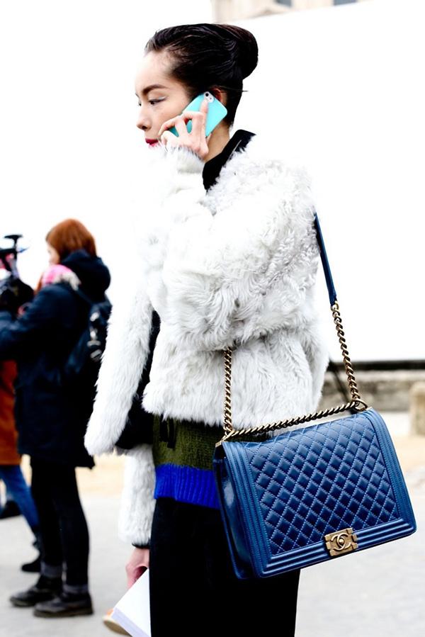 jumbo-blue-chanel-boy-bag.jpg