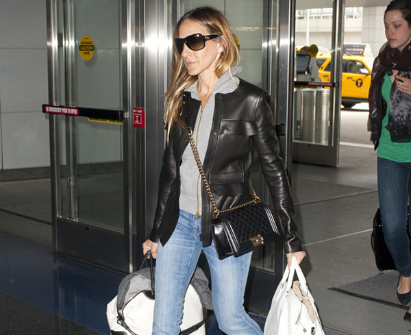 Sarah-Jessica-Parker-Chanel-Boy-Bag-Rochas-Leti-Louis-Vuitton-Luggage.jpg
