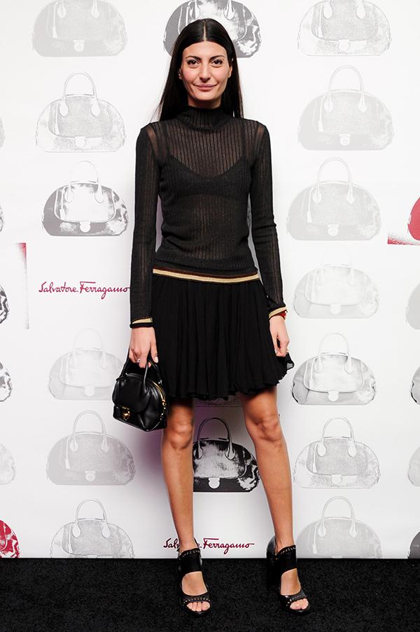 名造型師Giovanna Battaglia參加Fiamma包款上市私人晚宴_Fiamma黑色牛皮提包, 建議售價NT$65,900.jpg