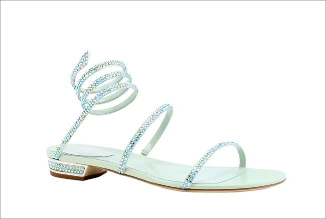 淡藍色蛇型綴水晶平底鞋NT$47,000.JPG