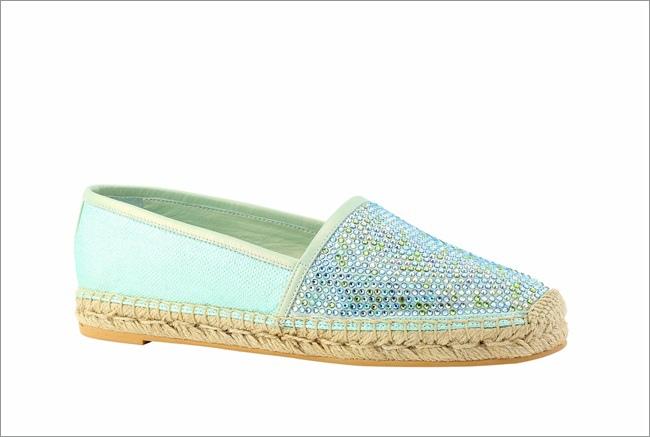 淡藍色鑲鑽懶人便鞋 NT$24,500.JPG