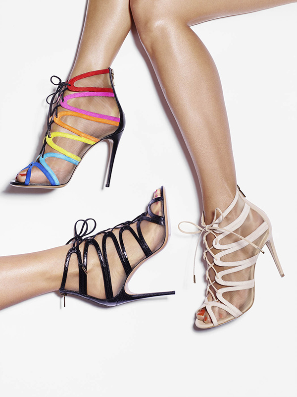 (由上至下) AMBER彩虹麂皮與蕾絲拼接高跟鞋、AMBER黑色麂皮與蕾絲拼接高跟鞋, 建議售價NT34,500.jpg
