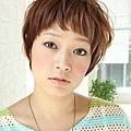 2012年個性運動風女孩燙髮新造型-1.jpg