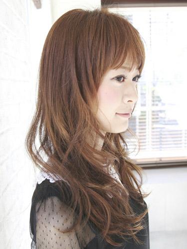 2012年造型優雅風格捲髮+栗子棕色調髮型-2.jpg