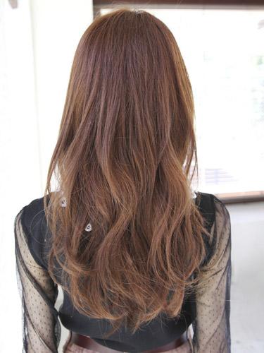 2012年造型優雅風格捲髮+栗子棕色調髮型-3.jpg