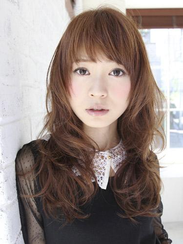 2012年造型優雅風格捲髮+栗子棕色調髮型-1.jpg