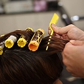 尚洋BENSON的巧手改造日系潮流髮型步驟>>>>>親自上捲