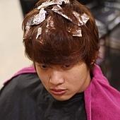 尚洋BENSON的巧手改造日系潮流髮型步驟>>>>>