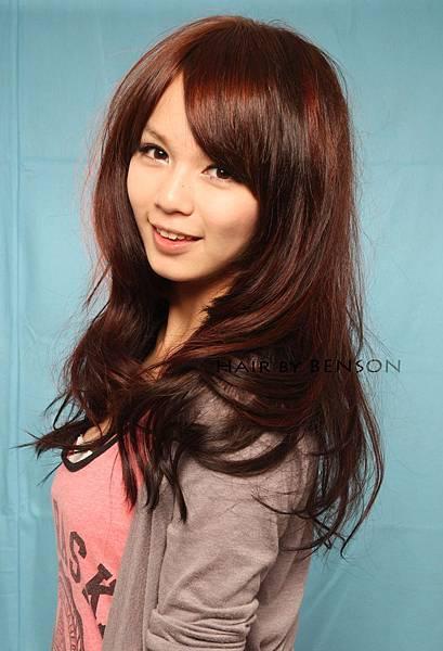 2011年冬季最夯@立體感挑染流行髮型~尚洋BENSON巧手打造小亞美眉新亮相