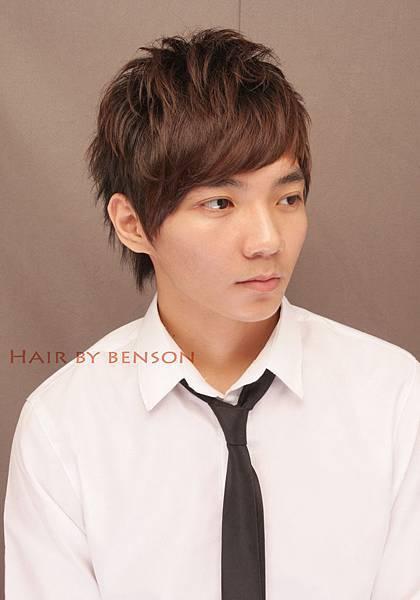 白襯衫男孩時尚髮型呈現新風格@尚洋BENSON
