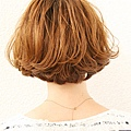 2012年短鮑伯混搭圓線感蓬鬆髮型+蜂蜜米色調A-3.jpg