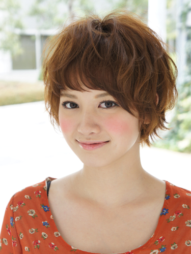 2012年早春流行日系蓬鬆感螺旋燙髮髮型A-1.jpg