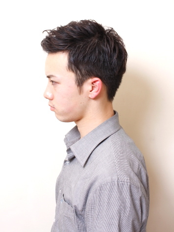 2012年率性短捲髮男生髮型搭A-2