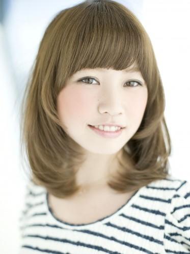 2012年小臉效果髮型搭配夏日亮眼亞麻色調A-1