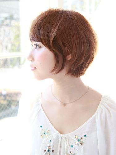 2012年清爽率性短髮髮型搭配夏日亮眼摩卡橘髮色A-2