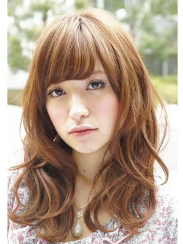 2012年日系春夏髮型@柔軟蓬鬆質地的低層次捲髮造型A-1