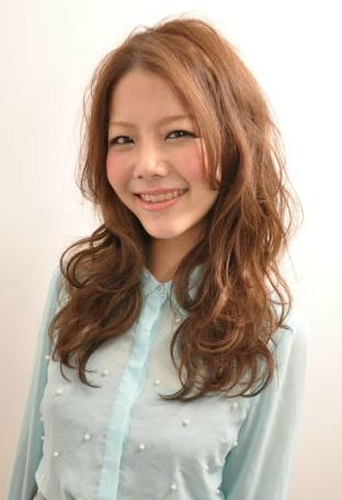 2012年日系春夏髮型@柔媚亮眼捲髮造型A-1
