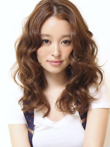 2012年女人味滿分的自然感風格捲髮燙髮日系髮型分享A-1