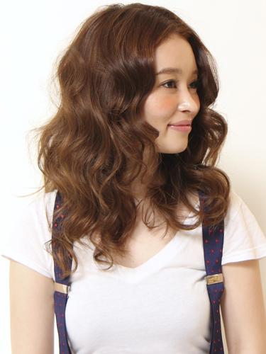 2012年女人味滿分的自然感風格捲髮燙髮日系髮型分享A-2