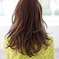 自然風格結合時尚的閃亮短瀏海髮型A-3