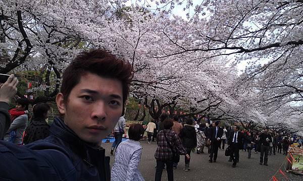 BENSON IN JAPEN.jpg