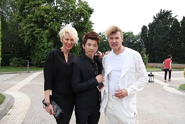 巴黎的美髮設計教流.JPG