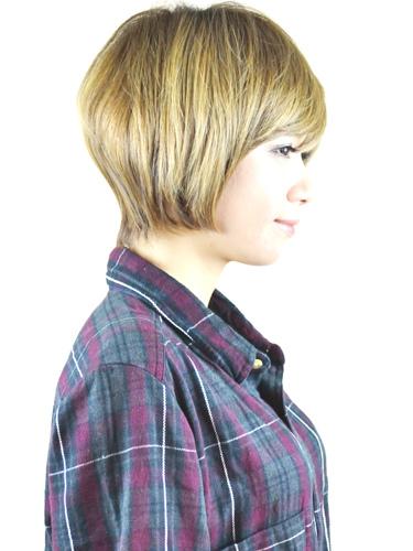 日系甜蜜可愛感的亞麻色髮型-2014女性短髮捲起風潮-2