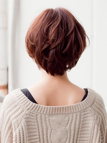 日系魅力淺棕髮色-2014女性短髮捲起風潮-3
