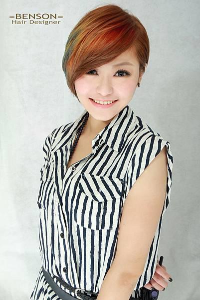 彩虹般的繽紛色彩短髮  幾何撞色設計染髮台北西門町東區流行髮型流行髮色