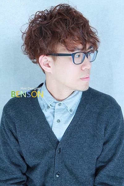 男生捲髮流行髮型.JPG