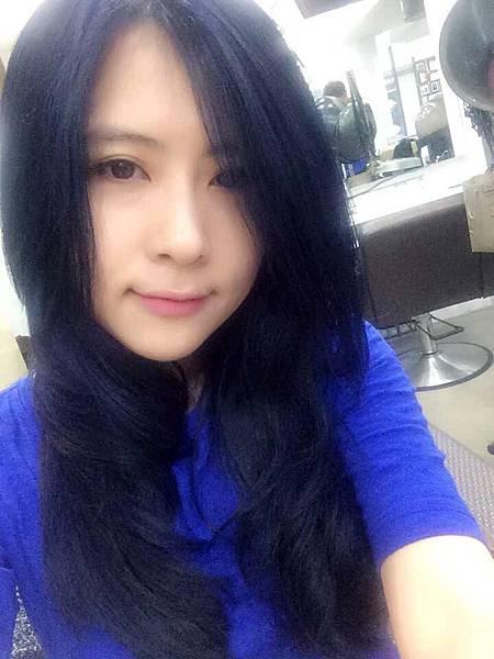 染藍黑髮色