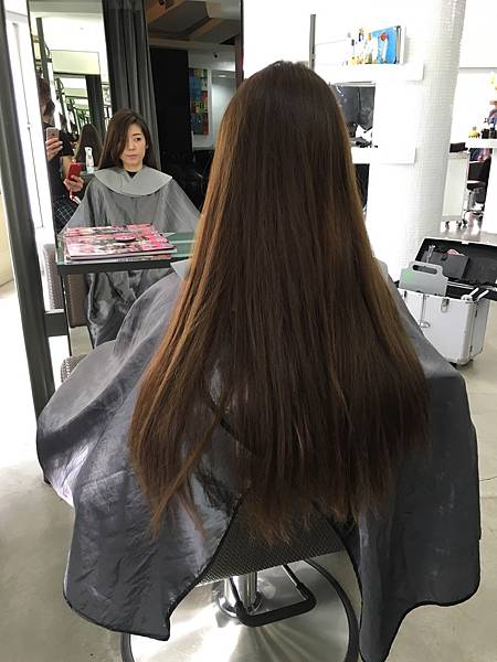 剪髮前長度及腰