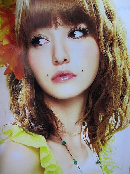 日本流行雜誌vivi@藤井Lena的日系棉花糖甜美柔媚造型燙髮