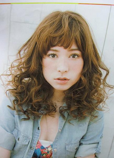 日系風格捲捲頭髮型.jpg