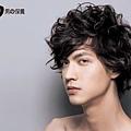 2011型男必備捲捲髮超人氣時尚新髮型