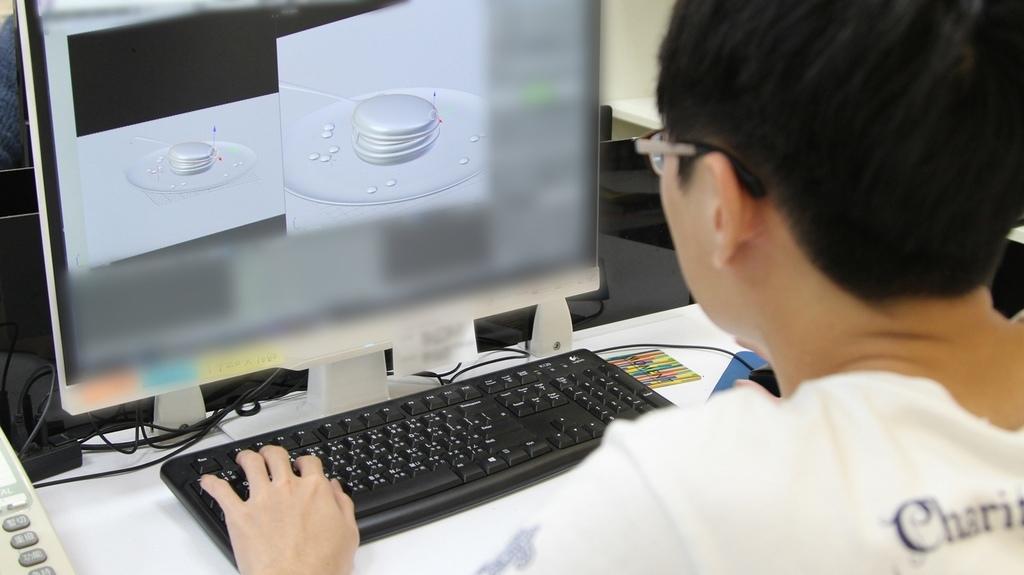 動畫師運用各種視角擺放模型以及模型的微調.jpg