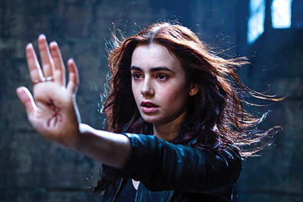 45zEMm_mortal-instruments-city-of-bones-clary-photo-1