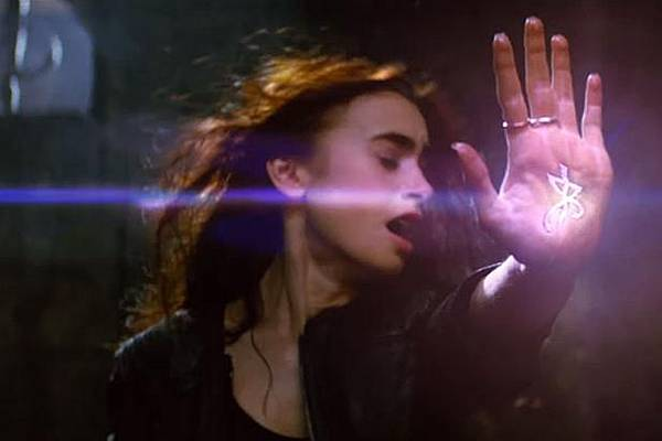 mortal-instruments-city-of-bones-trailer_617x411