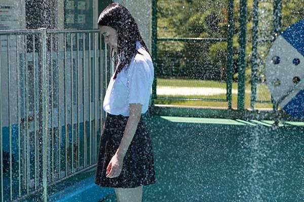 Schoolgirl_Complex-0006_675x449