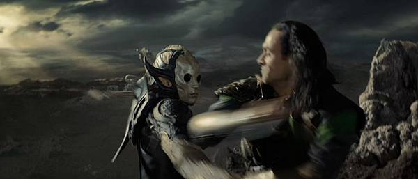 thor-the-dark-world-movie-trailer-screenshot-loki-and-dark-elf