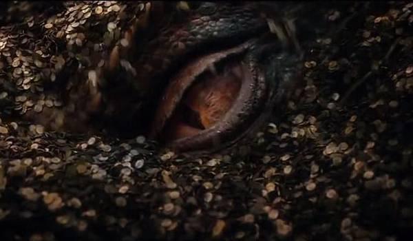 The-Hobbit-Smaug-Eye_766x446
