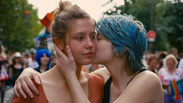 Blue-Is-The-Warmest-Color-2_806x453