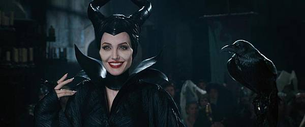maleficent-image01_1075x448