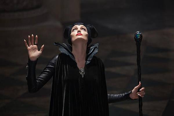 maleficent-picture04_680x454