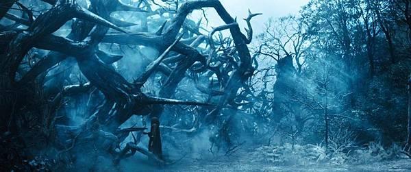 maleficent-still01_1080x450