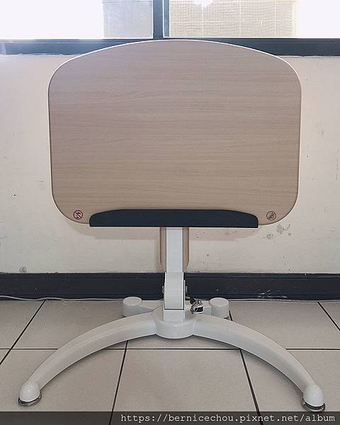 立可桌多功能折疊式升降桌4.jpg