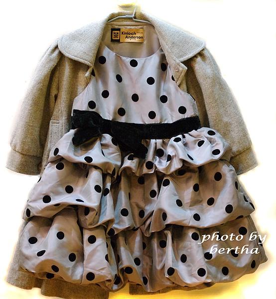 ISA的小禮服.jpg