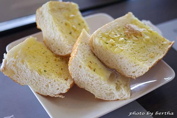 蒜味麵包.jpg