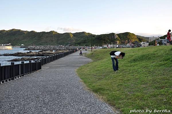 For D90 專心拍照的小仙.jpg