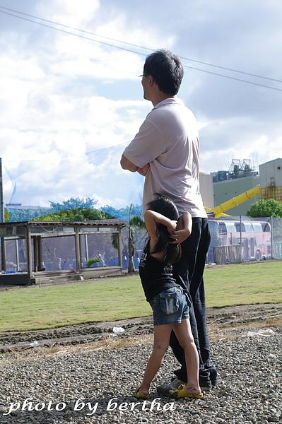 Isa 和 Daddy.jpg